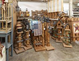 King's Kountry Store Birdhouses and Lantern Posts